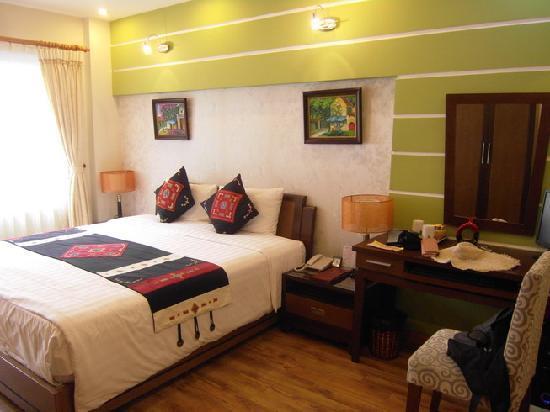 Splendid Star Grand Hotel: my comfy room