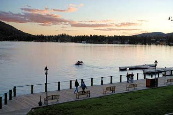 Western Riviera Lakeside Lodging & Events : Sunset view from cabins