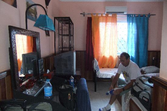 Le Tigre Hotel : Our room