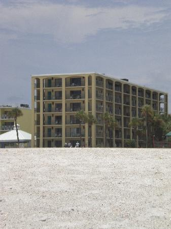 Coral Reef Resort: View of Coral Reef from the beach.
