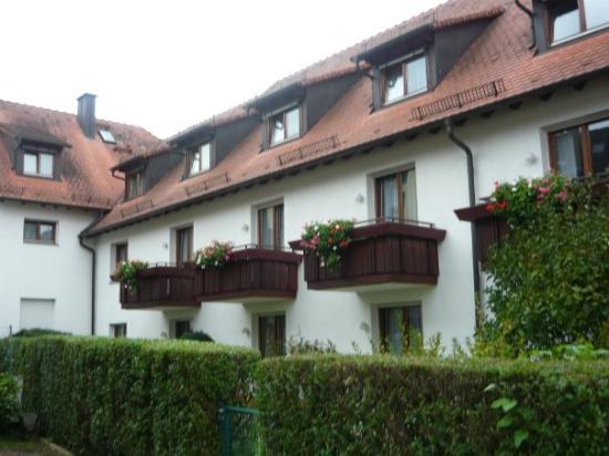 Hirschengarten Hotel: Our room is the 1st balcony - (far left)Hotel Hirschengarten