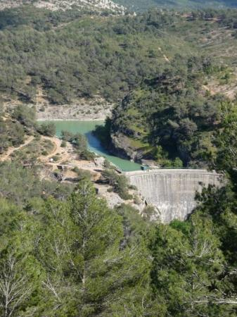 Aix-en-Provence, France : Lac du Bimont