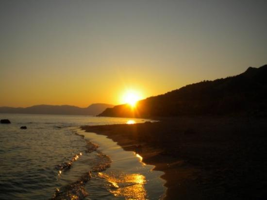 Zakynthos, Grecia: Dafni beach, Laganas (mesto de kornjace polazu jaja)...