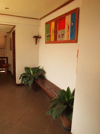 La Maison de Xanamkieng: upstairs hallway (it has one wall open to the outside)