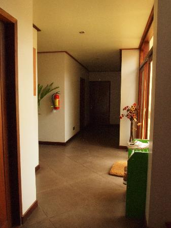 La Maison de Xanamkieng: downstairs hallway