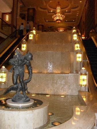The Langham, Melbourne: From the entrance to the check in
