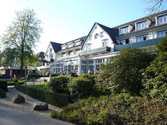 Hotel De Bilderberg - Trattoria Artusi : Front of hotel