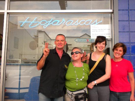 Hotel & Boutique Hojarascas: besitzer, meine tochter und ich in der mitte