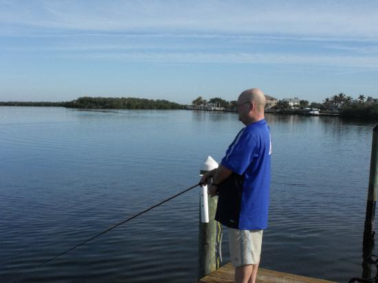 Bayfront Cottage Inn & Boatel: me fishing off the dock