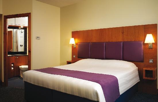 Premier Inn Glasgow East Kilbride (Peel Park) Hotel: Bedroom