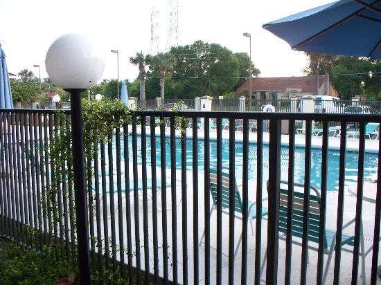 Travelodge Deltona : The pool & exersize room