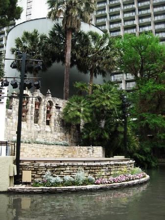 San Antonio, TX: Arneson River Theatre