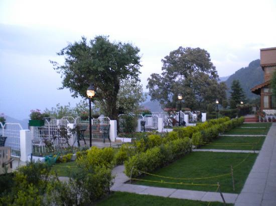 Grand View Hotel: garden