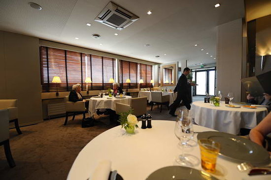Gill : The inside of the restaurant