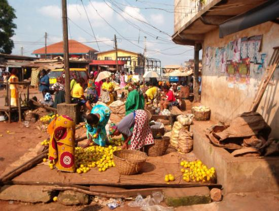 This is a native marlet in Benin City. Every Monday morning Jude and Grace went to the market fo