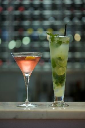 Fiasco Ristorante + Bar: cocktail hour