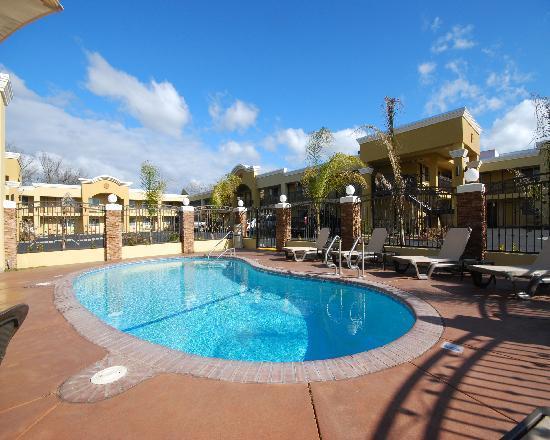 Quality Inn, Near Chico State: pool