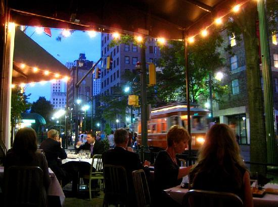 Flight Restaurant & Wine Bar - Memphis: Outside dining, watching the people and trolley cars
