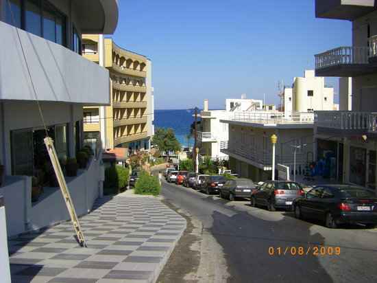 Smartline Semiramis City Hotel: distance to the beach