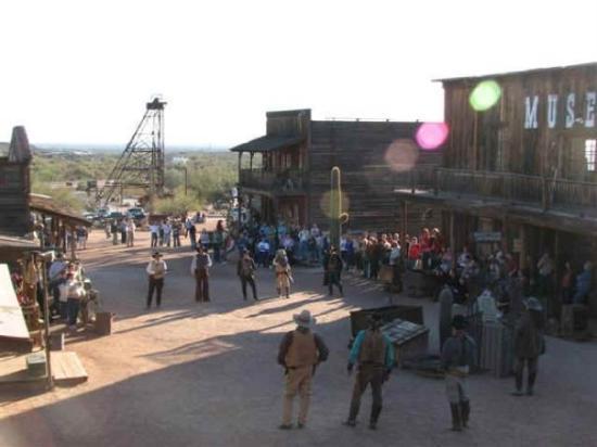 Apache Junction, AZ: we saw a lot of gunfights