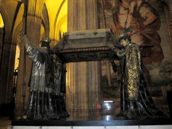 Seville Cathedral (Catedral de Sevilla): Tumba de Cristobal Colón