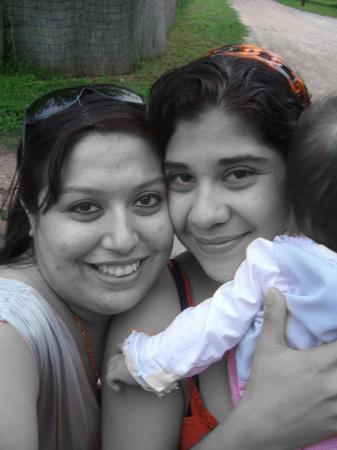 Skidmore, TX: Me & Trina