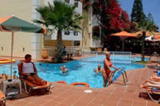 Hotel bueno bewertungen fotos preisvergleich kreta for Swimming pool preisvergleich