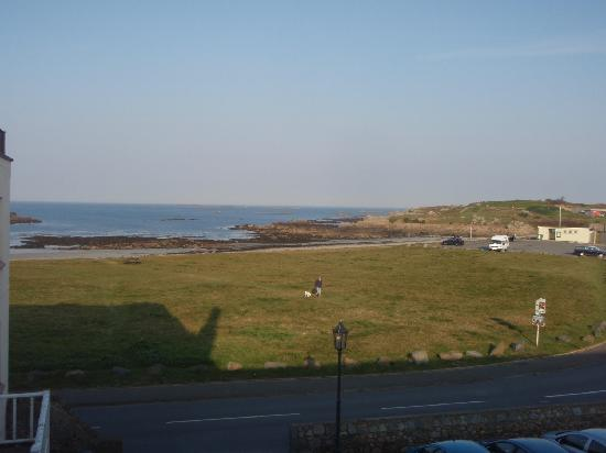 L'Eree Bay Hotel: Morning view from bedroom window