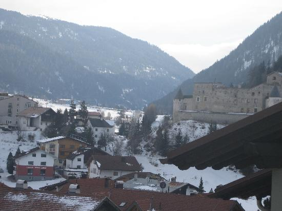 Nauders, Austria: SIde view of valley from our room