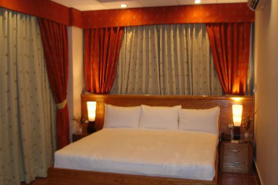 Country Inn Hotel: Luxuries Room