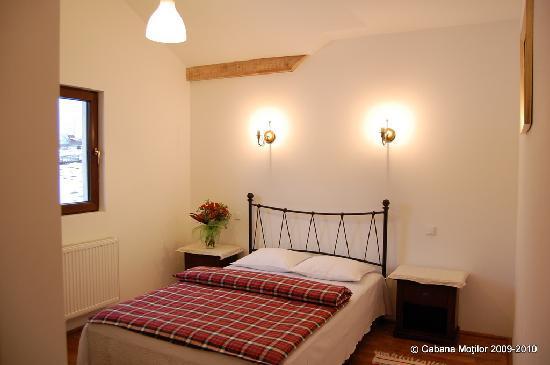 Cabana Motilor: Double room, queen size bed