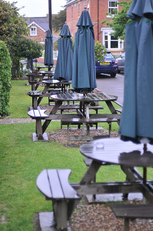 The Kings Arms: Outside