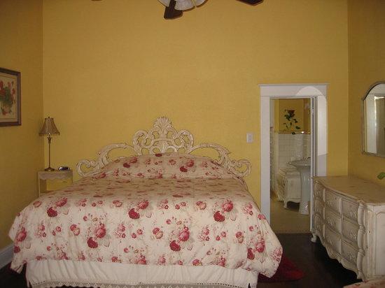 The Ainsworth House Inn: 2nd room upstairs