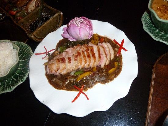 Kinnaree Gourmet Thai Restaurant & Bar: Duck