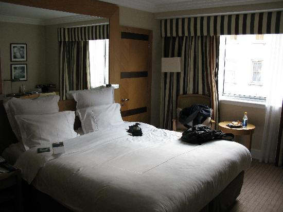 Jumeirah Lowndes Hotel: View of Standard Room from Entry