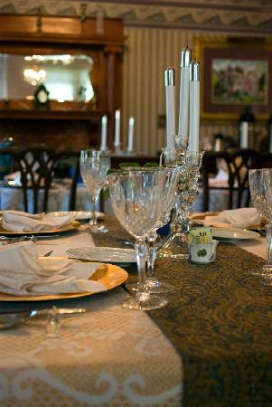 La Belle Epoque: beautifully decorated dining table