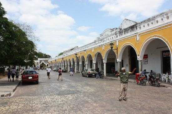 Hacienda Hotel Santo Domingo : main square in Izamal