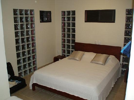 Buena Onda Beach Resort: bed