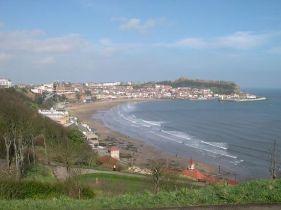 Scarborough, UK: View of South Bay from South Cliff gardens