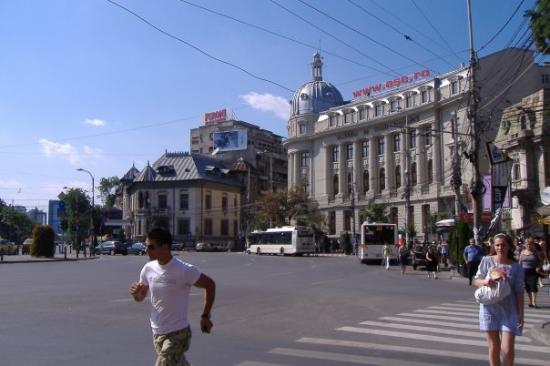 Bucharest: Piata Romana, city centre