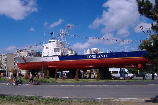 Constanta, Romania: Constanţa: A boat near the railway station