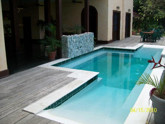 Mahogany Hall Boutique Resort: The Pool