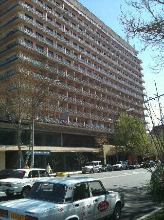 Ani Plaza Hotel: Exterior
