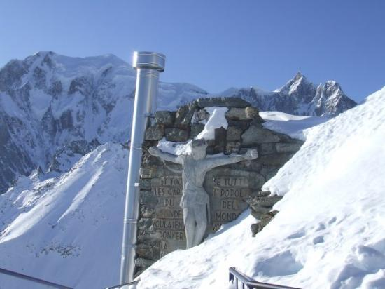 Courmayeur, Italië: 2009 Punta helbronner mt.3462 slm...miii...che friuuuu!!!