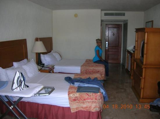 The Palms Resort Of Mazatlan: Our room and me still pouting