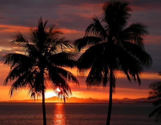 ซูวา, ฟิจิ: Abeautiful sunset at Suva Harbour