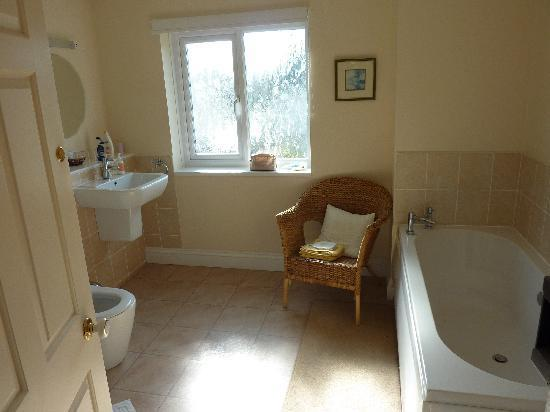 Cadgwith House: En-suite Bathroom