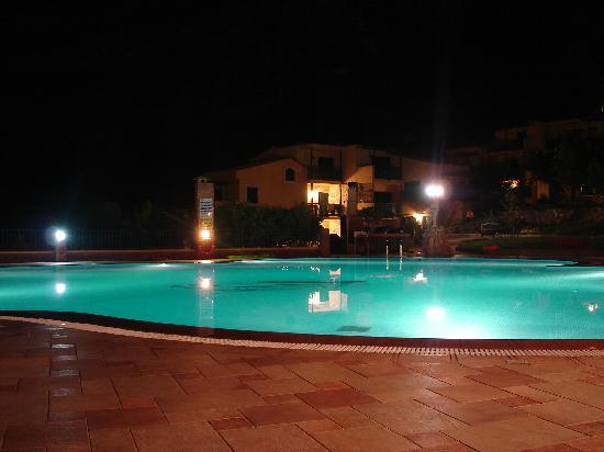 Marni Village : The Pool at Night, Next to the Bar