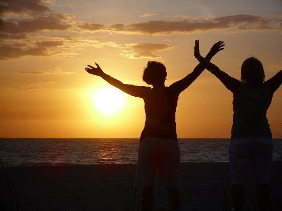 Fisherman's Cove : celebrating sunset