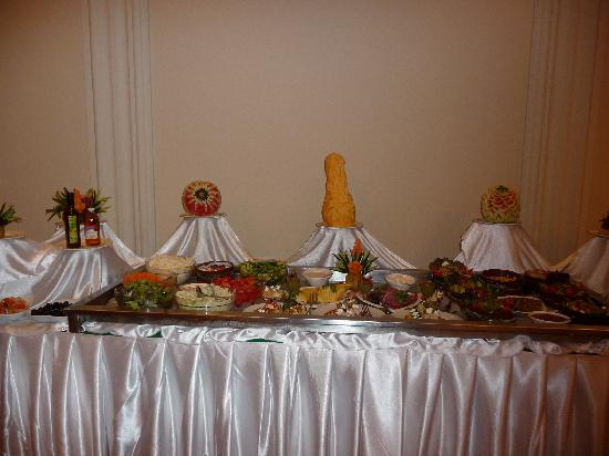carved fruit in English resaraunt - Picture of Siva Sharm